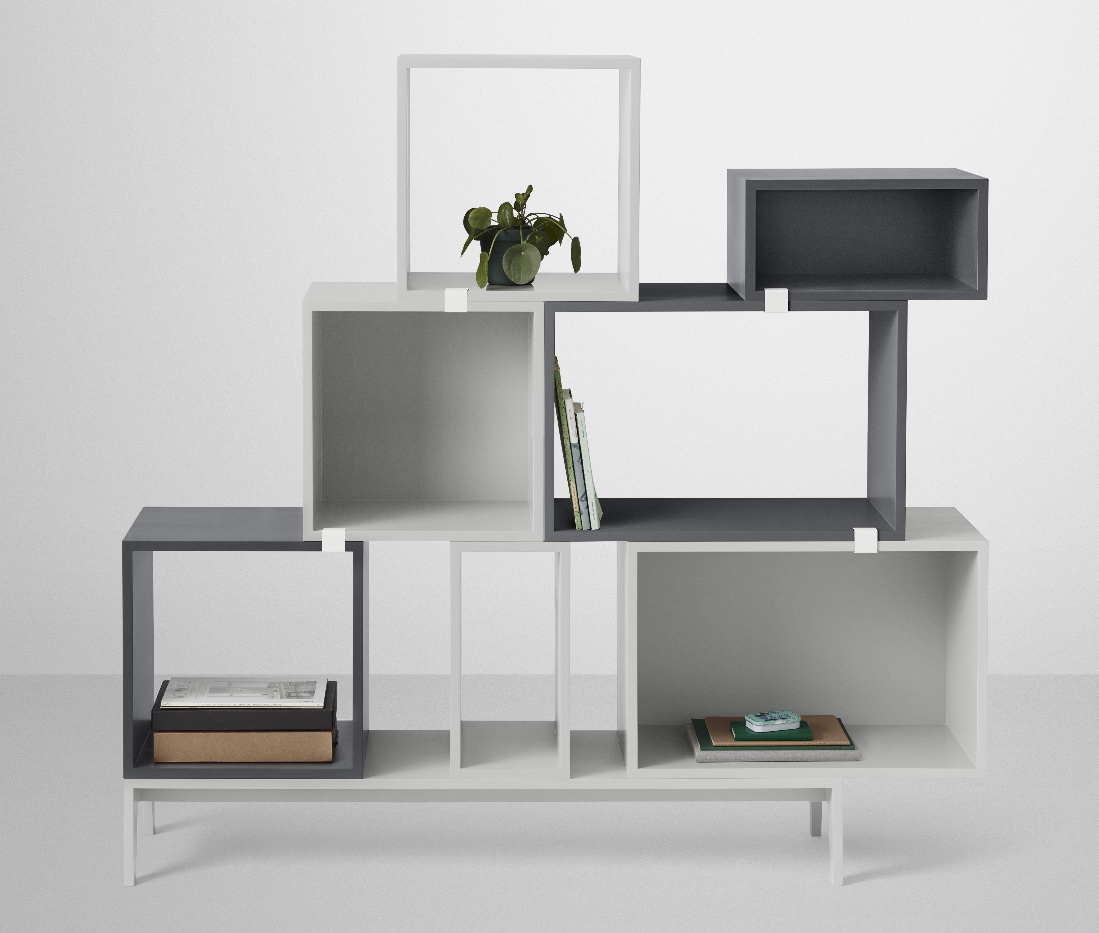 etag re stacked medium carr 43x43 cm avec fond color fr ne fond vert cendre muuto. Black Bedroom Furniture Sets. Home Design Ideas