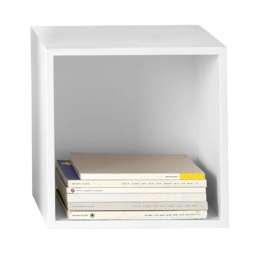 Möbel - Regale und Bücherregale - Stacked Regal quadratisches Modul Größe M mit Rückwand - Muuto - L 43,6 cm x B 43,6 cm - weiß - mitteldichte bemalte Holzfaserplatte