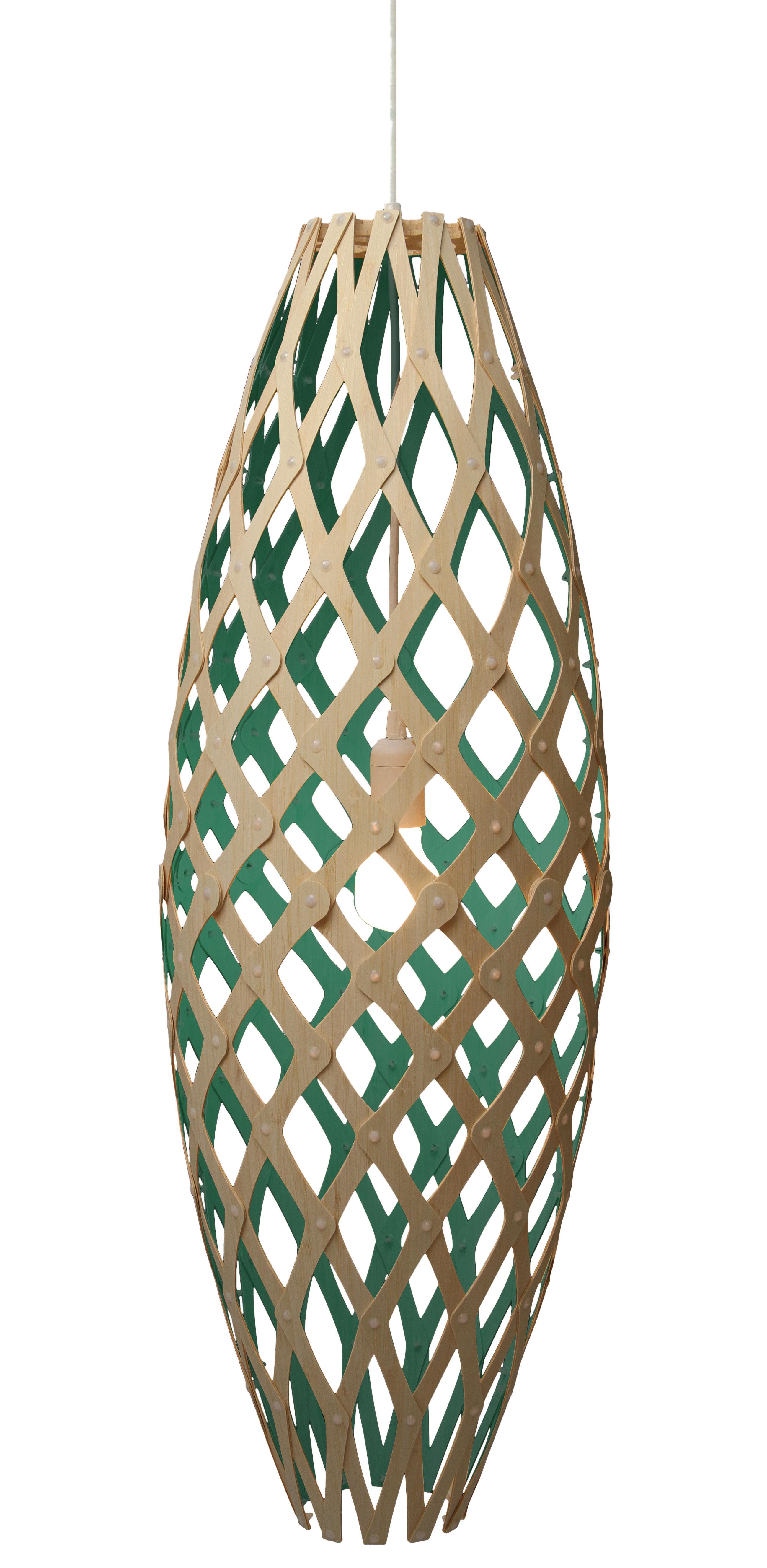 Leuchten - Pendelleuchten - Hinaki Pendelleuchte H 90 cm - zweifarbig - exklusiv - David Trubridge - Wassergrün / Naturholz - Bambus