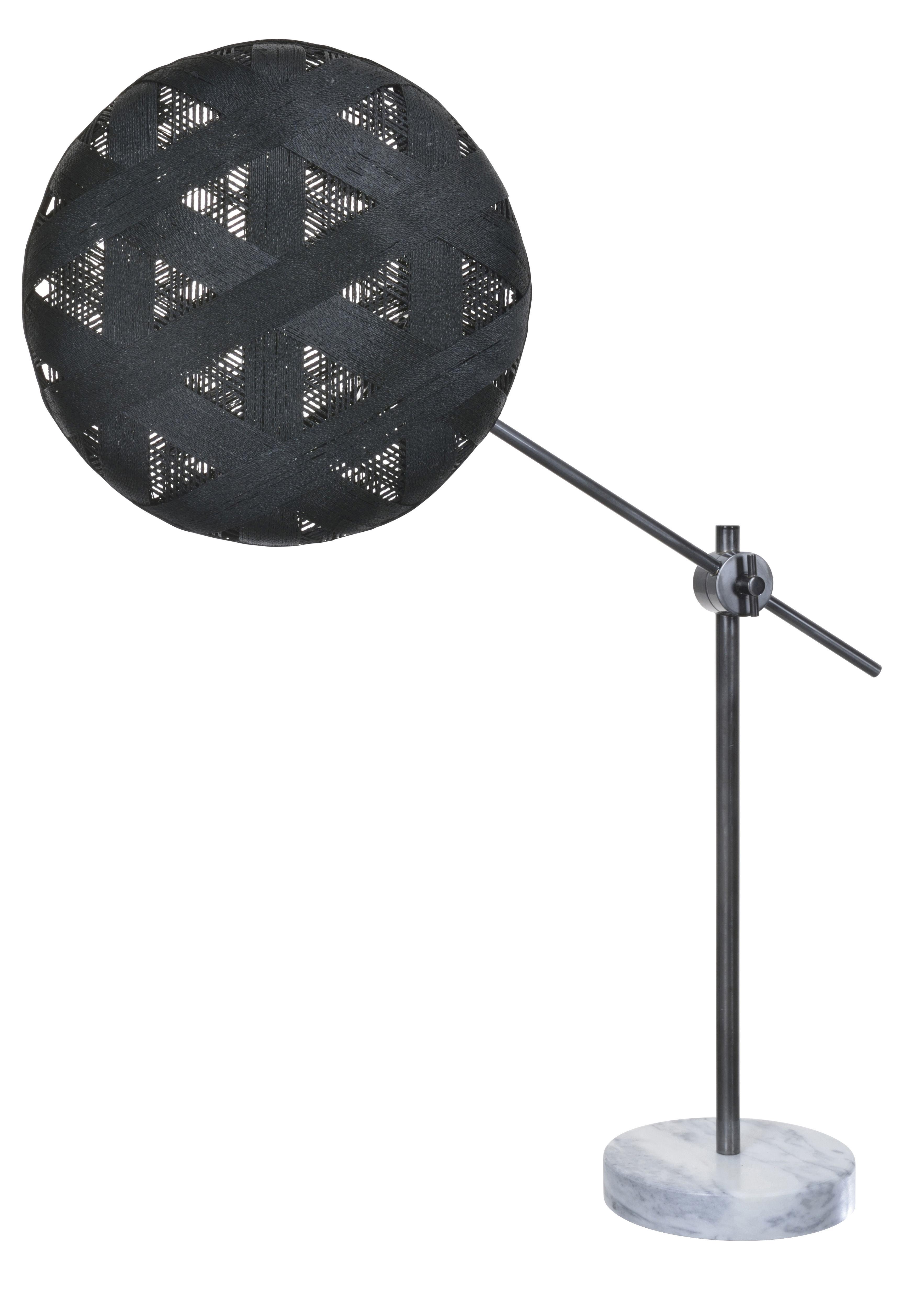 Illuminazione - Lampade da tavolo - Lampada da tavolo Chanpen Hexagon - Ø 36 cm / Articolato - Motivi triangolo di Forestier - Nero / Canna di fucile - Marmo, Metallo, Tessuto in abaca