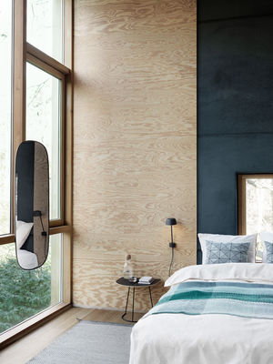 applique avec prise lean led m tal blanc muuto. Black Bedroom Furniture Sets. Home Design Ideas