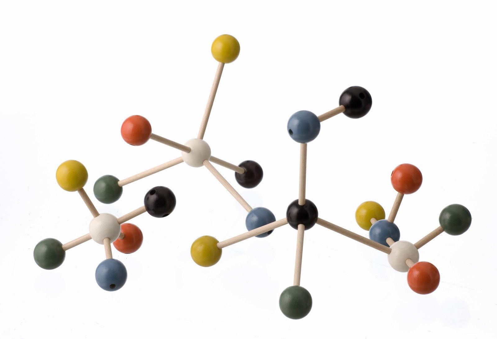 Dekoration - Spaßig und ausgefallen - Molecule Building set Baukasten - Ferm Living - Holzstäbchen - Kugeln in 6 Farben - Holz