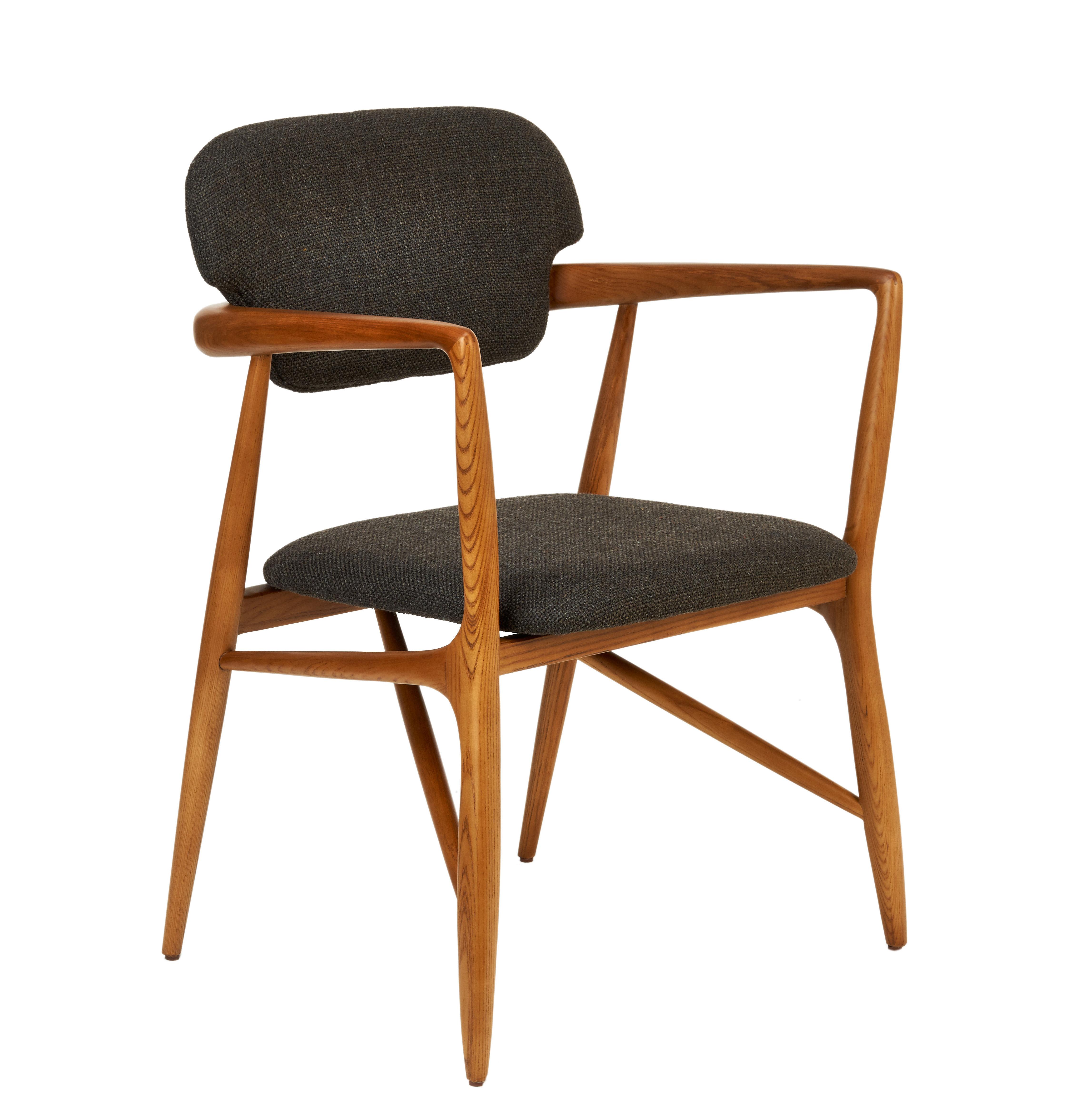Mobilier - Chaises, fauteuils de salle à manger - Fauteuil rembourré Caracas / Tissu & bois - Pols Potten - Gris foncé / Bois - Frêne massif verni, Mousse, Tissu