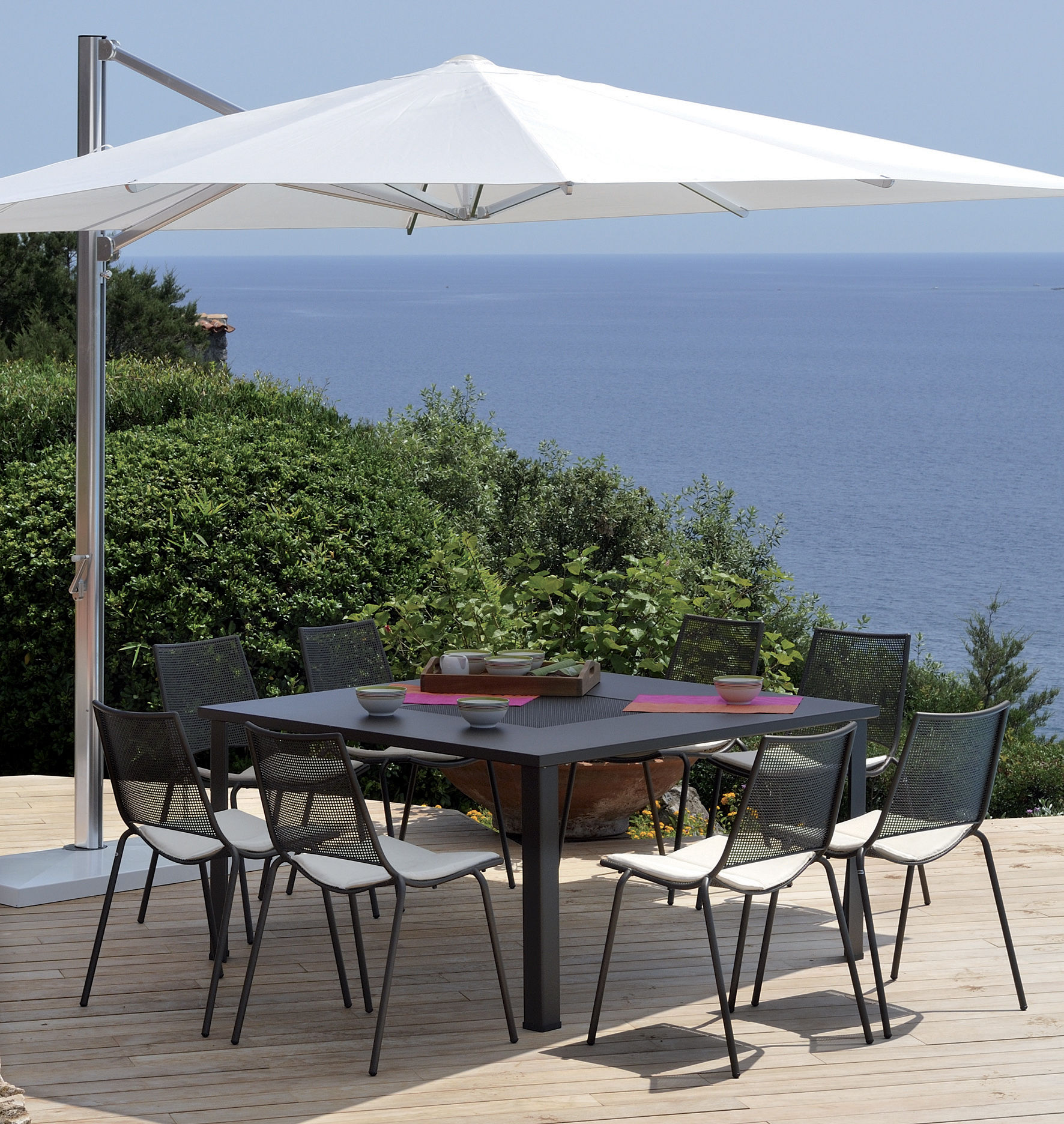 Parasol d port shade emu toile blanche m t alu base blanche h 280 x 300 made in design - Toile de parasol deporte ...