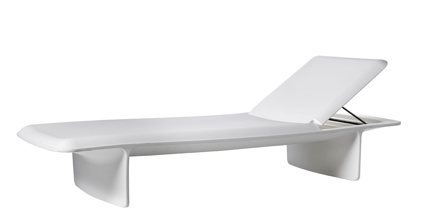 Outdoor - Sun Loungers & Hammocks - Ponente Sun lounger - / Plastic - Multiposition by Slide - White - recyclable polyethylene