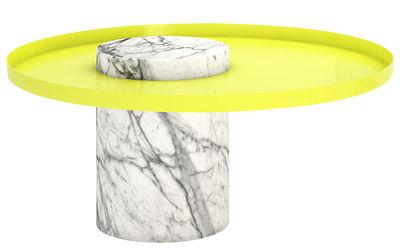 Mobilier - Tables basses - Table basse Salute / Ø 72 x H 34 cm - Marbre & métal - La Chance - Marbre blanc / Plateau jaune - Acier laqué, Marbre