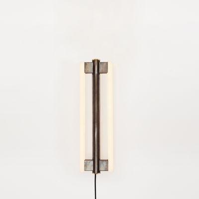 Luminaire - Appliques - Applique avec prise Eiffel / H 50 cm - Frama  - H 50 cm / Acier vieilli - Acier brut ciré, Verre opalin