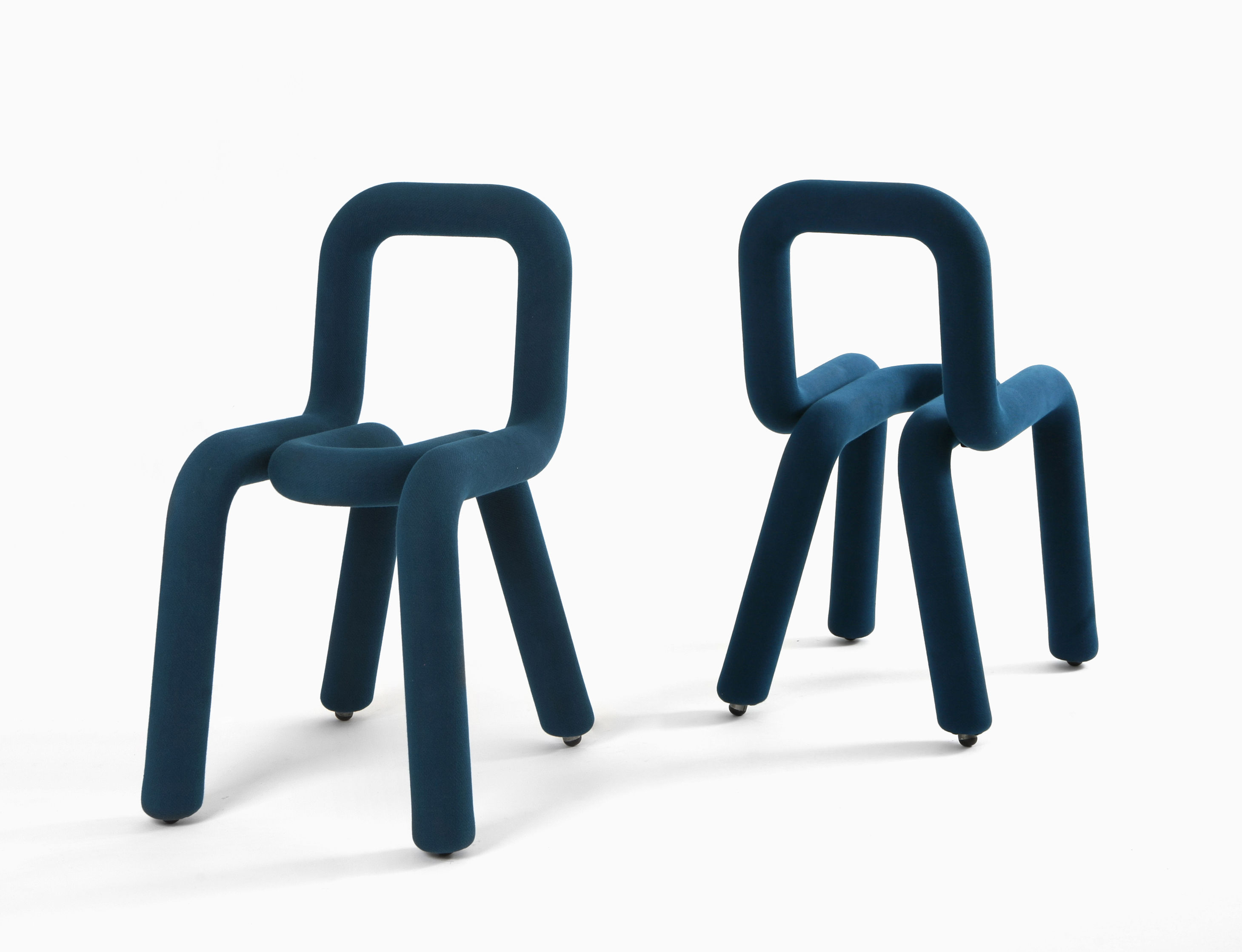 Sedia Imbottita Design : Bold sedia imbottita tessuto blu anatra by moustache made in