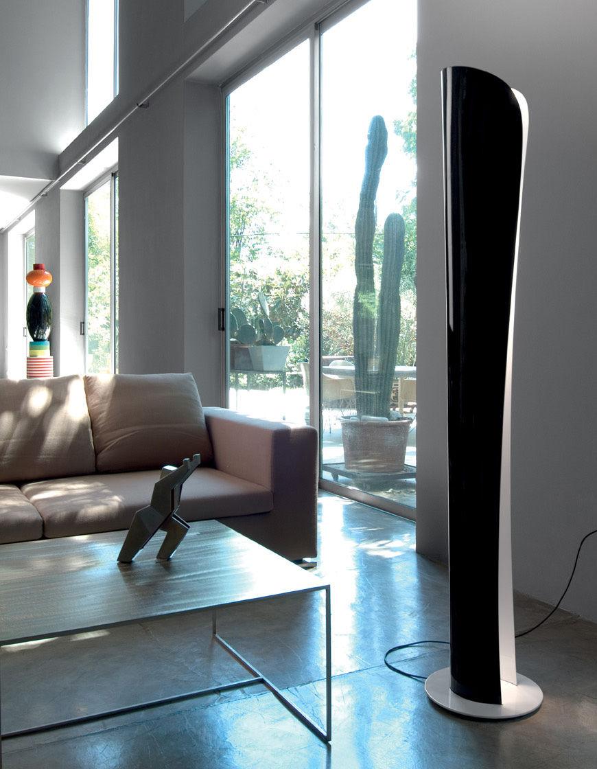 lampadaire cadmo rouge int rieur blanc artemide. Black Bedroom Furniture Sets. Home Design Ideas