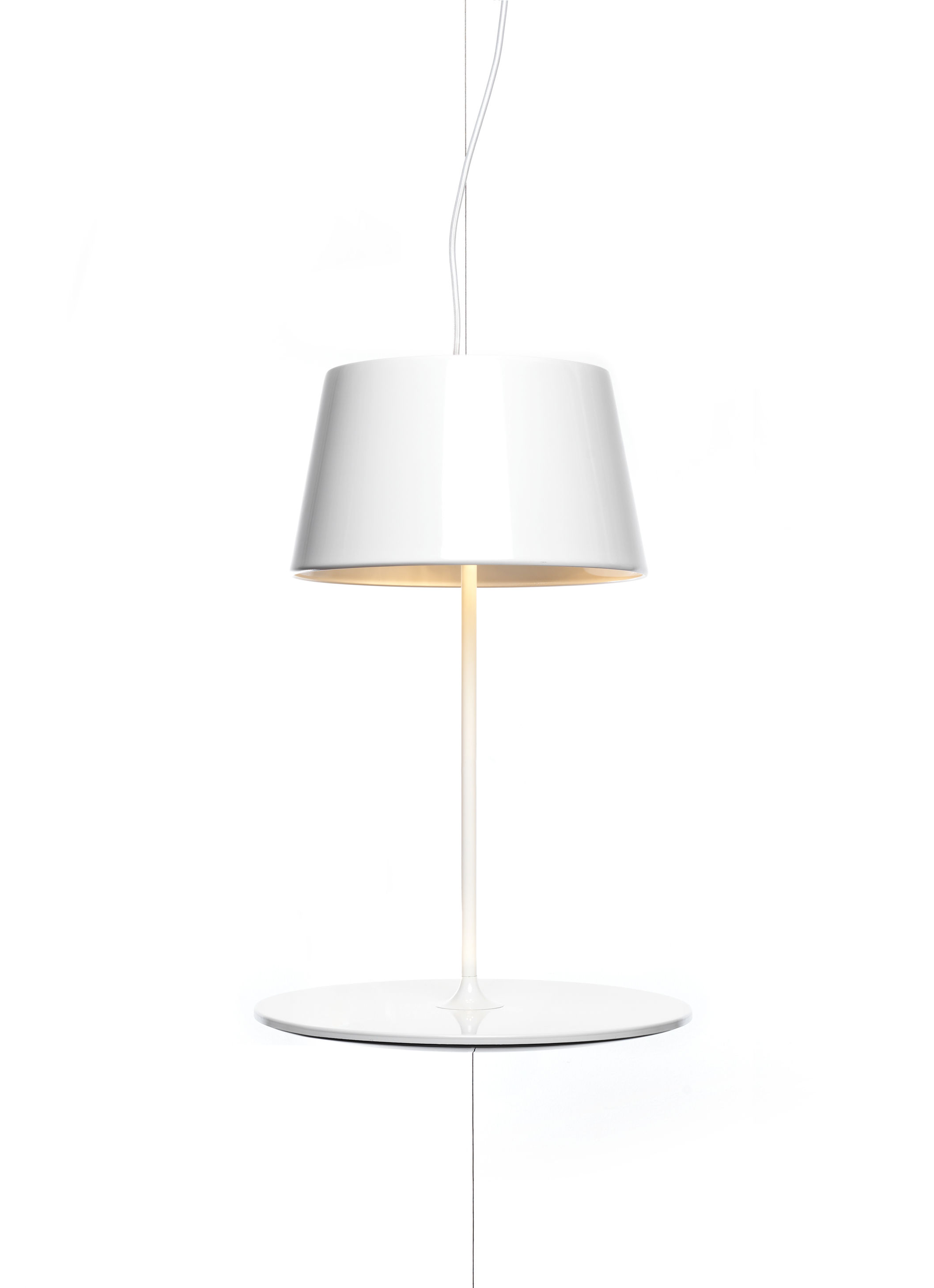 Leuchten - Pendelleuchten - Illusion Pendelleuchte Hängelampe/Beistelltisch - Northern  - Weiß - lackierter Stahl, lackiertes Aluminium