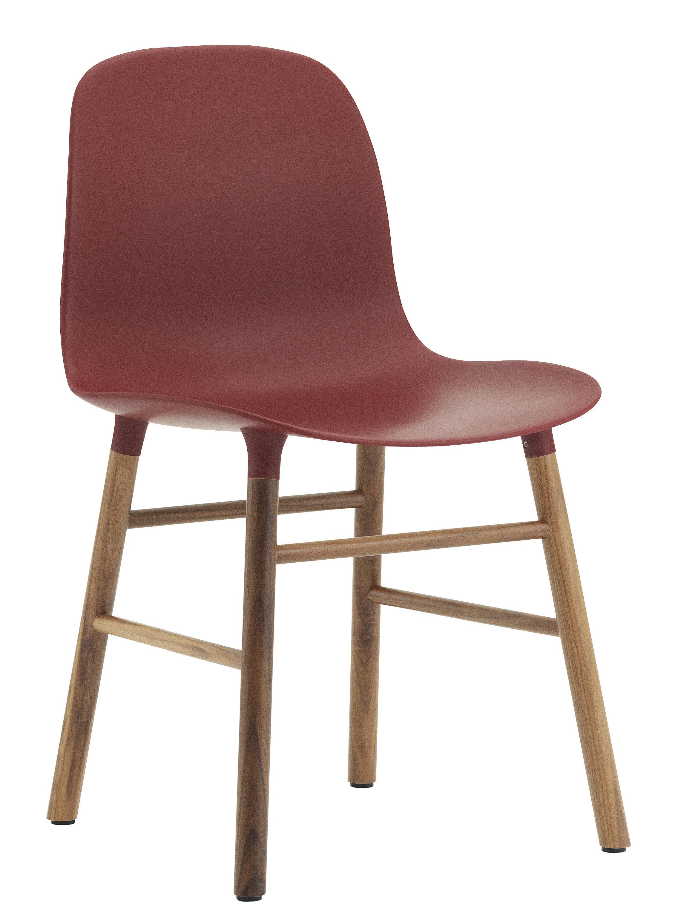 Mobilier - Chaises, fauteuils de salle à manger - Chaise Form / Pied noyer - Normann Copenhagen - Rouge / noyer - Noyer, Polypropylène