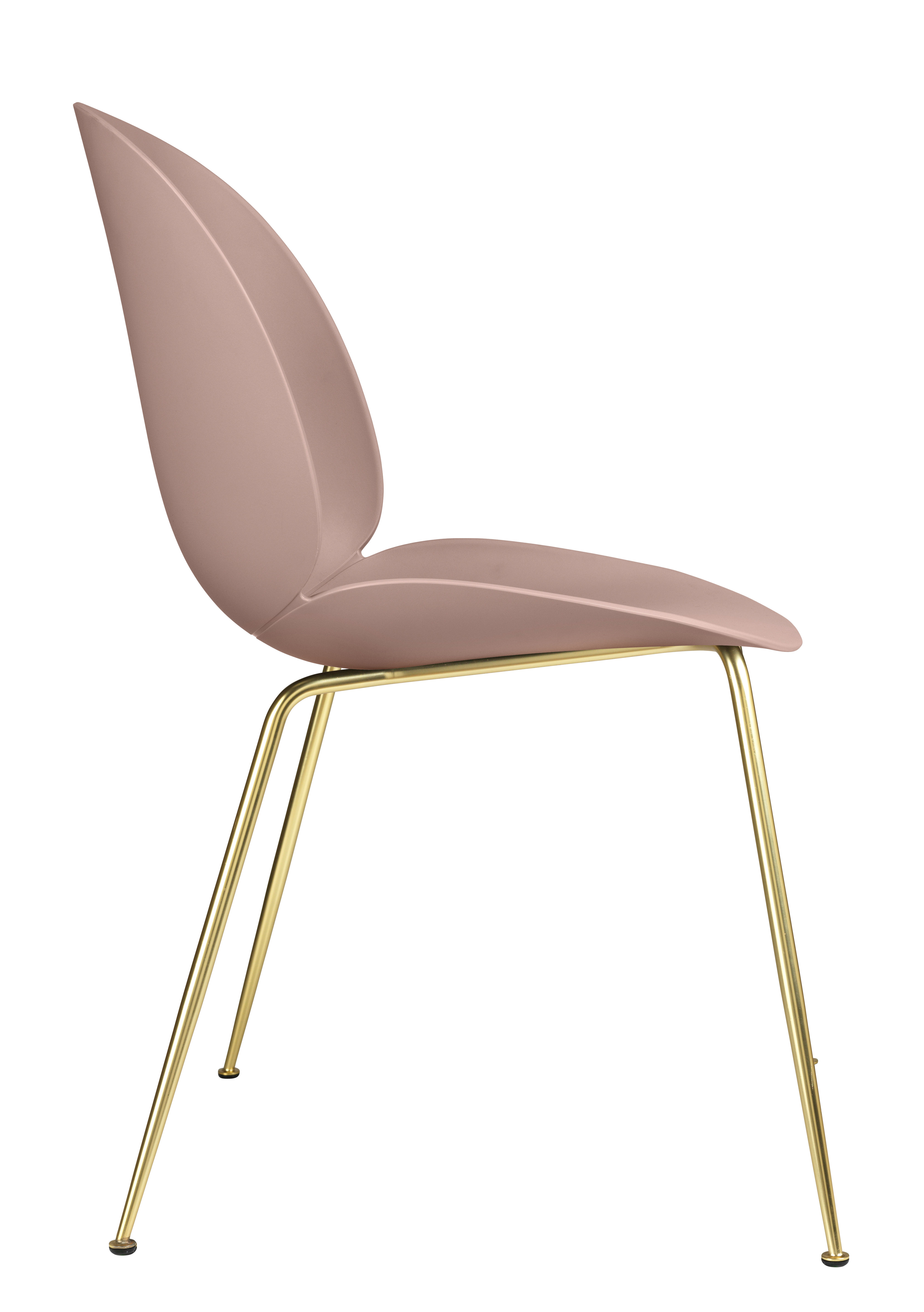 Chaise beetle gubi rose pieds laiton l 56 x h 87 made in design for Chaise 3 pieds
