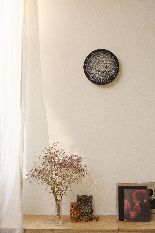 horloge murale eclipse 30 cm noir blanc petite friture made in design. Black Bedroom Furniture Sets. Home Design Ideas