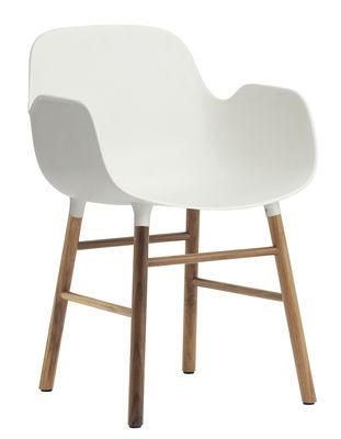 Chaise Form / Pied noyer - Normann Copenhagen blanc/bois naturel en matière plastique/bois