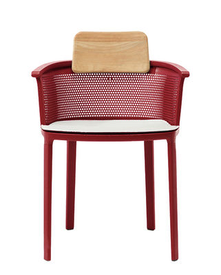 Furniture - Chairs - Nicolette Stackable armchair - / Aluminium & teak by Ethimo - Red & teak / White cushion - Acrylic fabric, Lacquered cast aluminium, Natural teak
