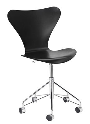 Furniture - Office Chairs - Série 7 Swivel chair - Stained  ash by Fritz Hansen - Black / Chromed base - Chromed steel, Plywood: tinted ash