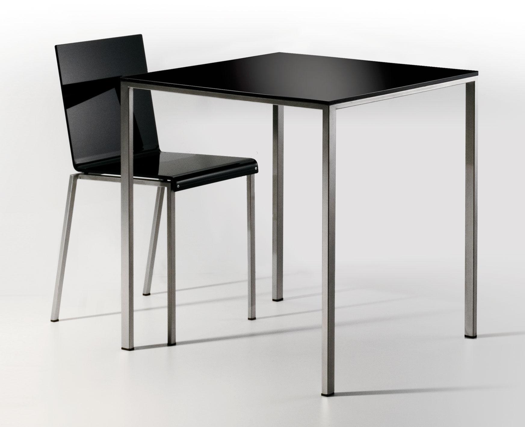 chaise bianca r sine mate pieds m tal noir mat pieds. Black Bedroom Furniture Sets. Home Design Ideas