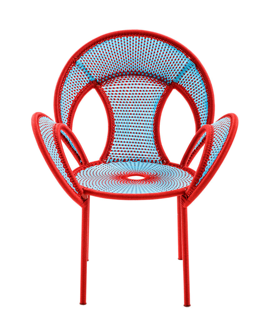 Mobilier - Chaises, fauteuils de salle à manger - Fauteuil M'Afrique - Banjooli - Moroso - Bleu / Rouge - Acier laqué, Polyéthylène tressé