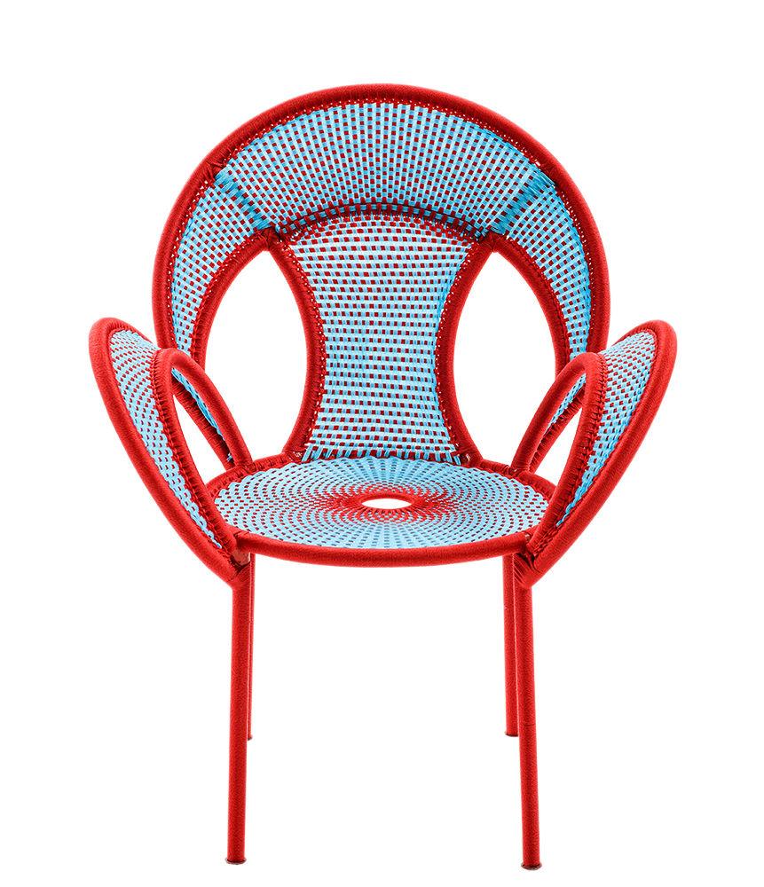 Möbel - Stühle  - M'Afrique - Banjooli Sessel - Moroso - Blau / rot - Geflochtenes Polyethylen, lackierter Stahl