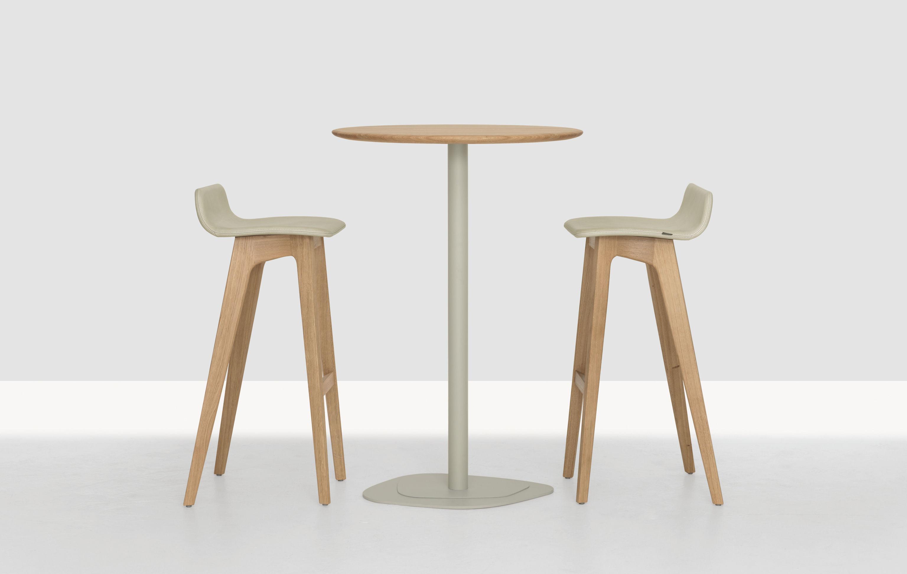 tabouret de bar morph zeitraum structure ch ne naturel rev tement cuir beige couture. Black Bedroom Furniture Sets. Home Design Ideas