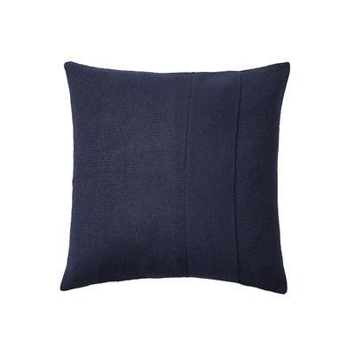 Déco - Coussins - Coussin Layer / Laine baby lama tricotée main - 50 x 50 cm - Muuto - Bleu nuit -  Plumes, Coton, Laine baby lama