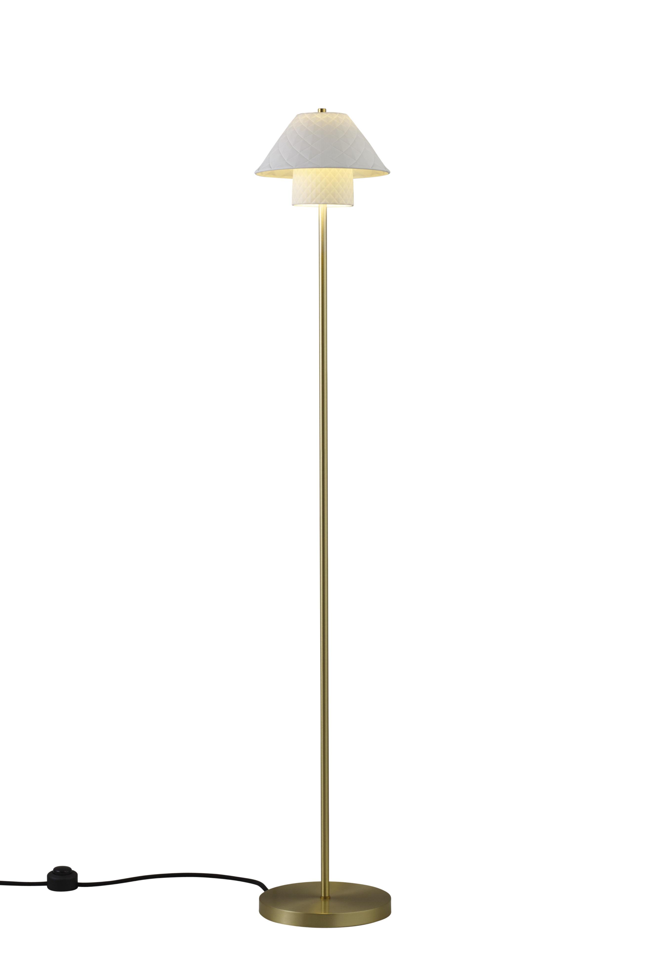 lampadaire oxford double laiton satin porcelaine blanc mat laiton satin original btc. Black Bedroom Furniture Sets. Home Design Ideas