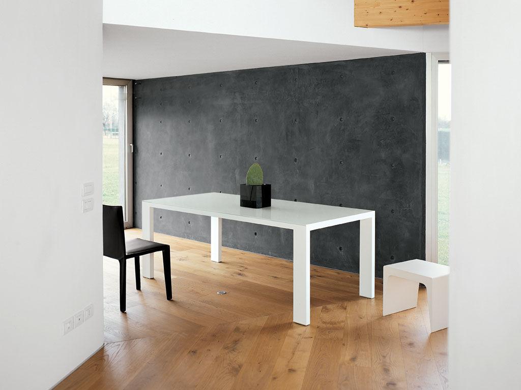 Tavolo con prolunga fifty kristalia piano in vetro for Prolunga tavolo