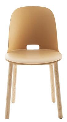 Chaise Alfi / Piètements frêne - Emeco sable en matière plastique