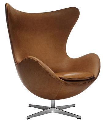 Mobilier - Fauteuils - Fauteuil pivotant Egg chair / Cuir - Fritz Hansen - Marron / Chromé - Aluminium poli, Cuir pleine fleur, Fibre de verre, Mousse de polyuréthane