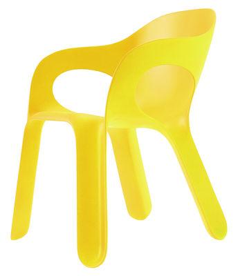 Mobilier - Chaises, fauteuils de salle à manger - Fauteuil empilable Easy chair / Plastique - Magis - Jaune - Polypropylène