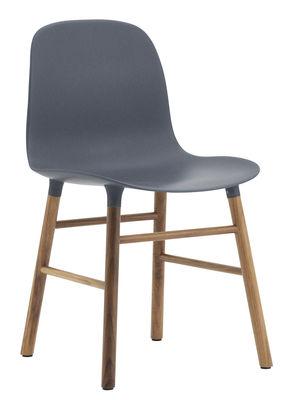 Chaise Form Pied noyer Normann Copenhagen bleu,noyer en matière plastique