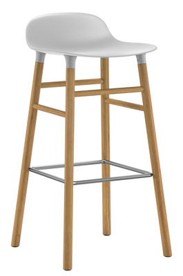 Furniture - Bar Stools - Form Bar stool - H 75 cm / Oak leg by Normann Copenhagen - White / oak - Oak, Polypropylene