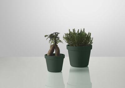 Pot De Fleurs Outside In Avec Soucoupe Integree Vert O 12 4 Cm Muuto