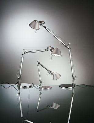 Scopri Lampada Da Tavolo Tolomeo Micro Rosso Di Artemide Made In Design Italia
