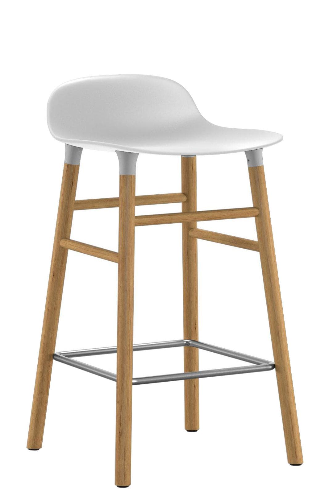 Mobilier - Tabourets de bar - Tabouret de bar Form / H 65 cm - Pied chêne - Normann Copenhagen - Blanc / chêne - Chêne, Polypropylène