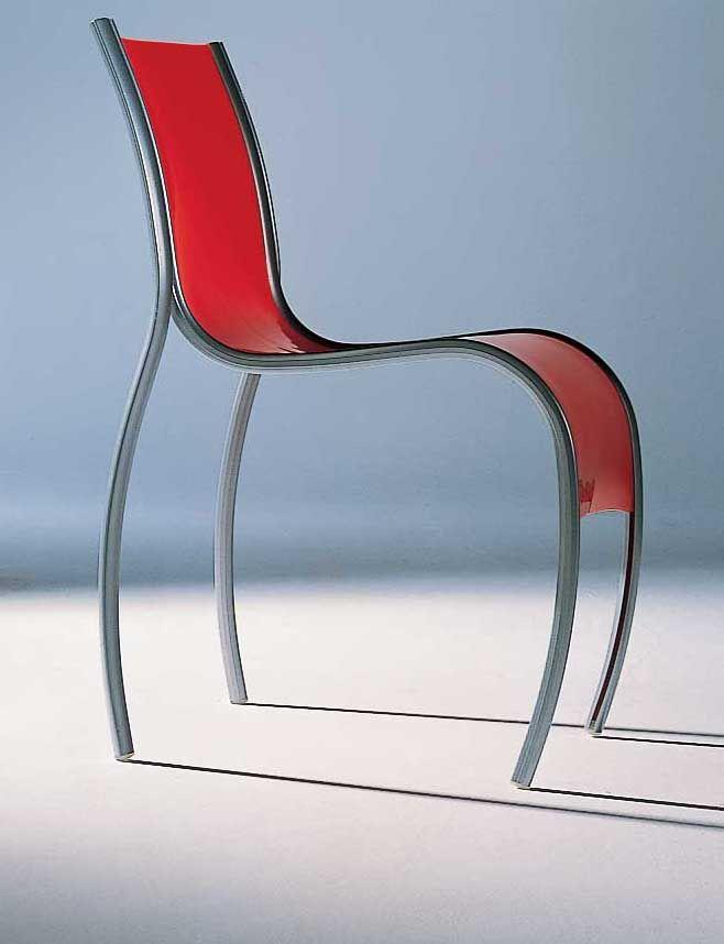 Chaise empilable fpe plastique m tal opalin kartell for Chaise empilable plastique