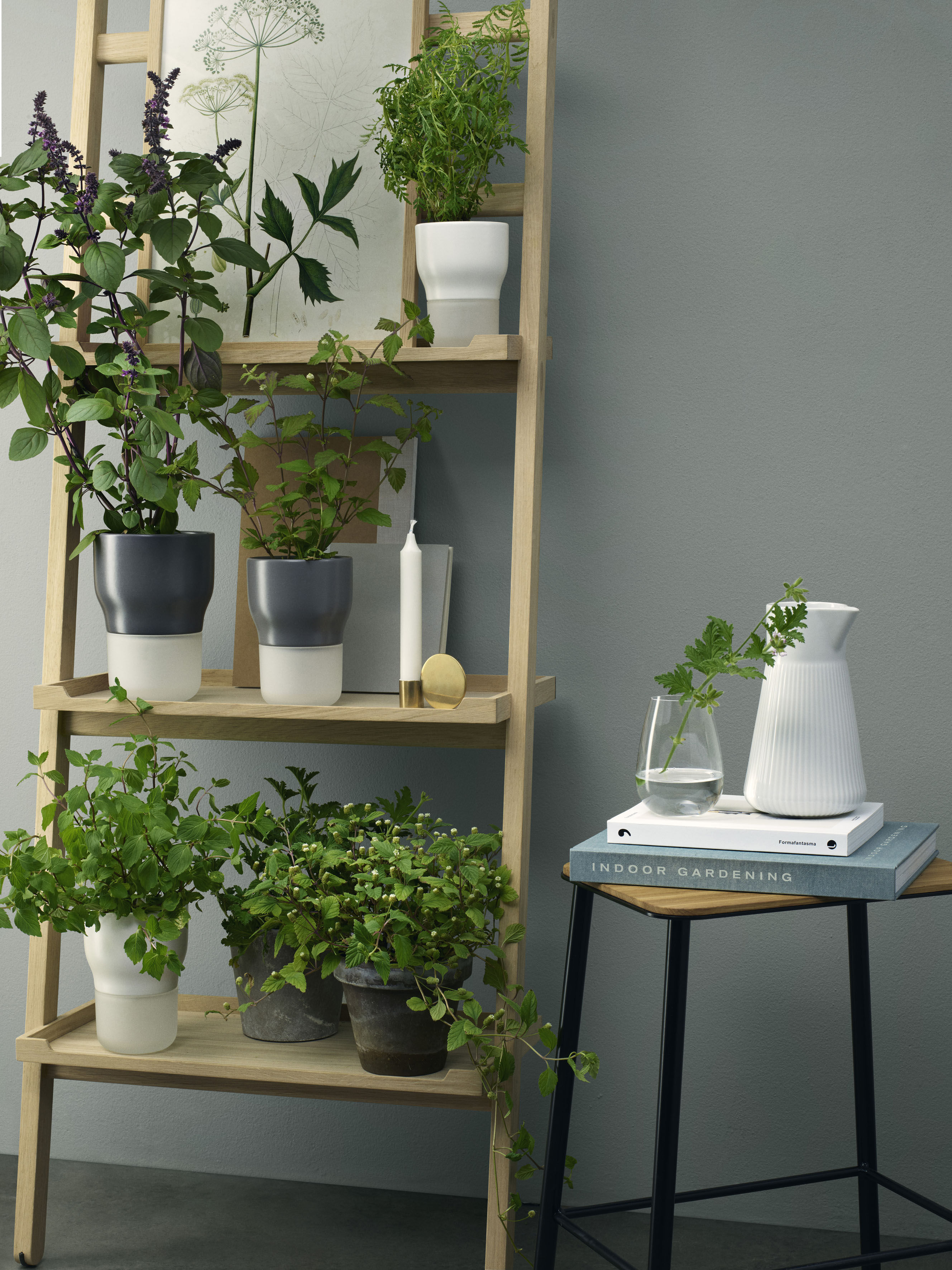 blumentopf mit wasserreservoir gr e s 9 cm x h 13 cm kreidewei by eva solo made in. Black Bedroom Furniture Sets. Home Design Ideas