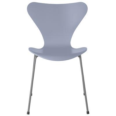Mobilier - Chaises, fauteuils de salle à manger - Chaise empilable Série 7 / Frêne teinté - Fritz Hansen - Bleu Lavande / Pieds chromés - Acier chromé, Contreplaqué de frêne teinté