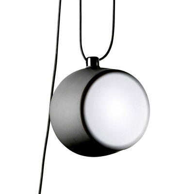 Leuchten - Pendelleuchten - AIM Pendelleuchte LED - Flos - Schwarz / Hängelampe - bemaltes Aluminium, Polykarbonat