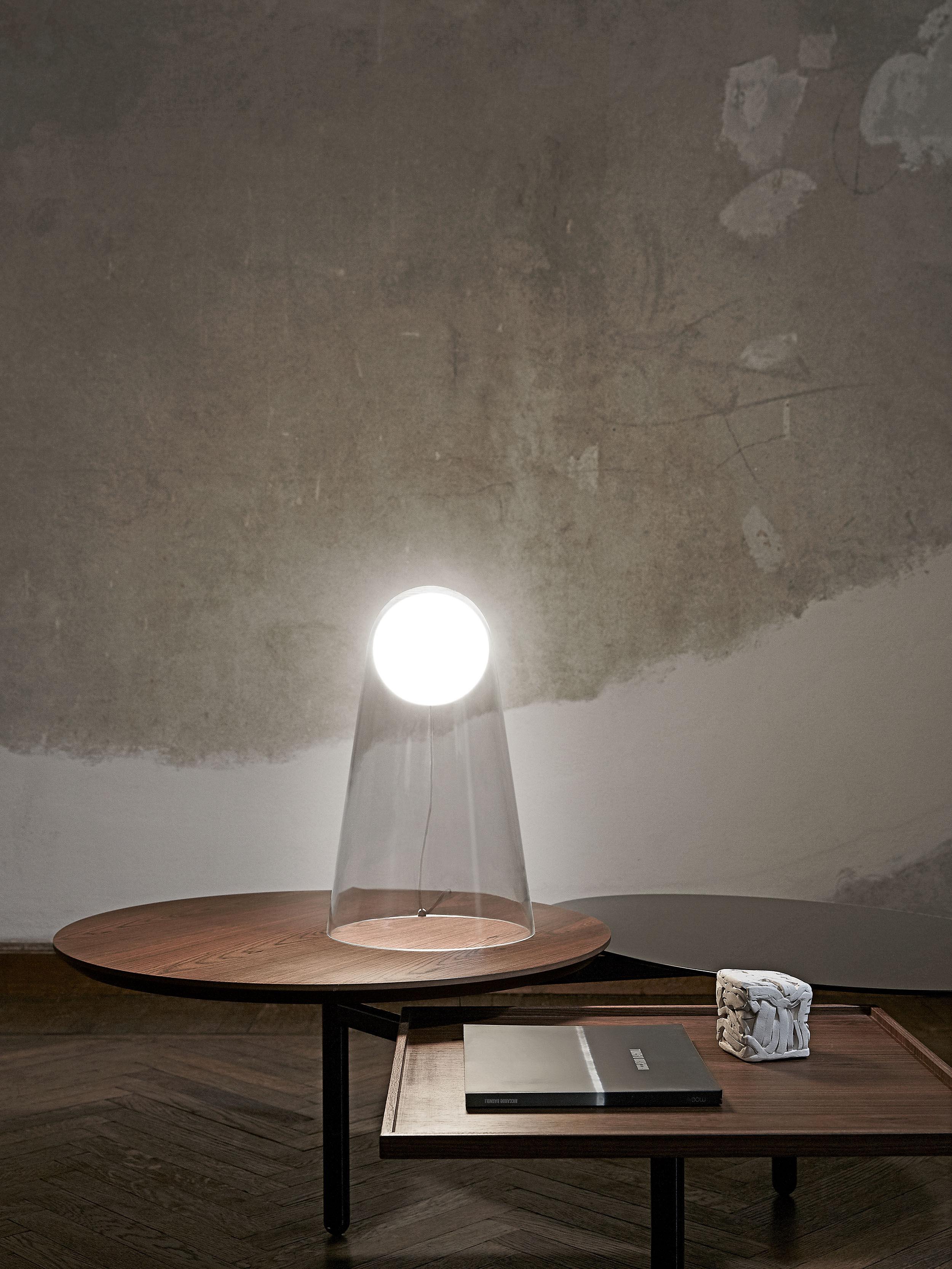 Lampada Da Tavolo Satellight Di Foscarini Bianco Trasparente Made In Design