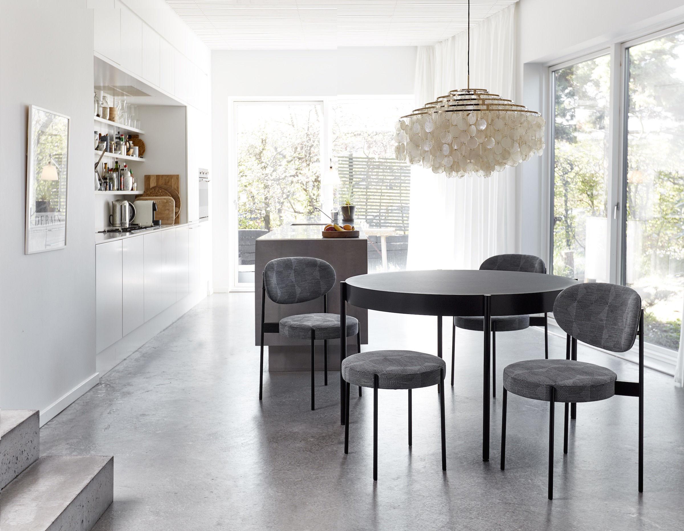 Sedia Pantone Marrone : Sedia verner panton originale sedia quot panton chair ditta vitra