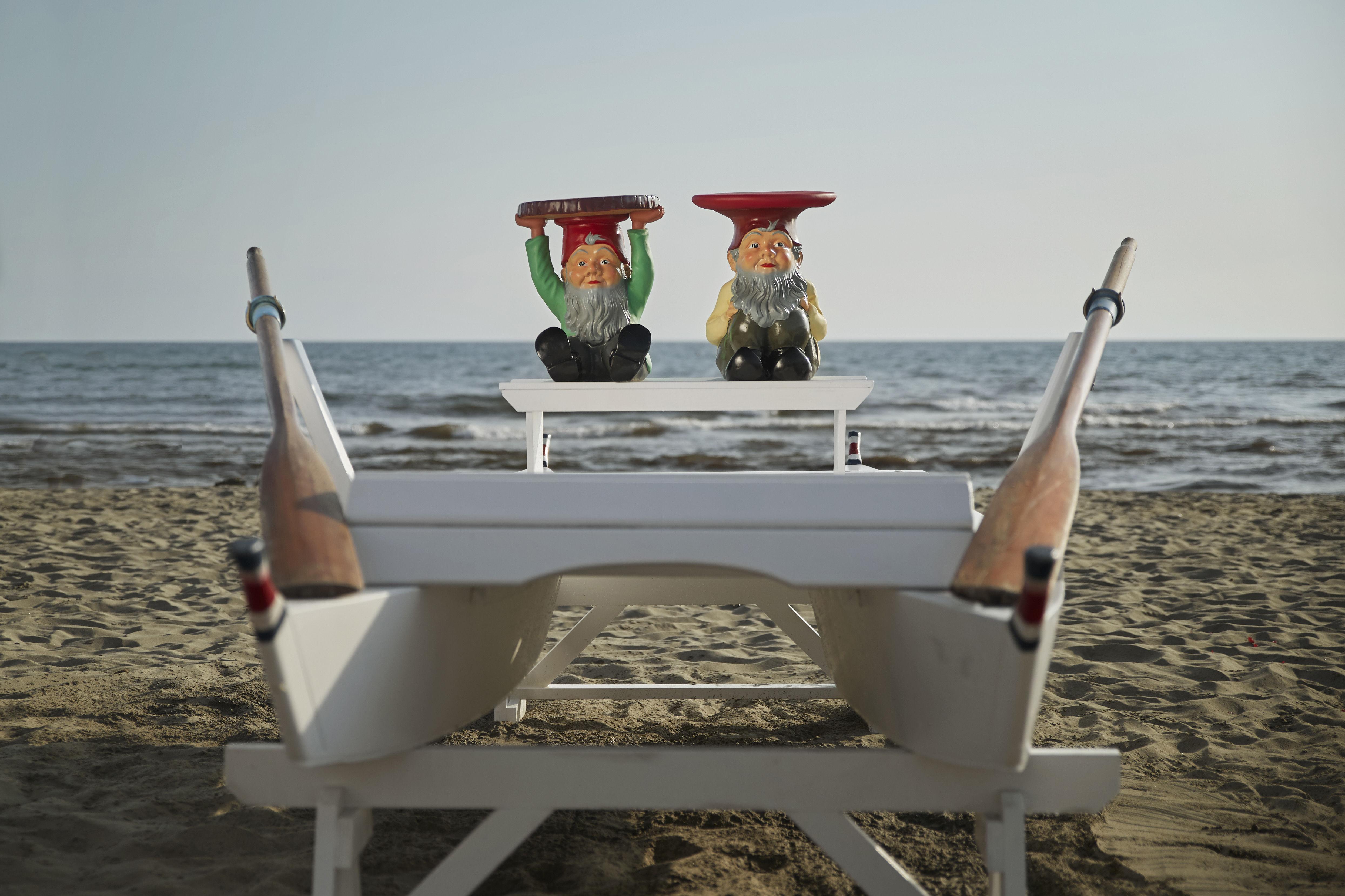 Tavolino dappoggio gnome attila kartell attila made in design