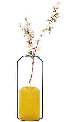 Vase Weight C / L 15 x H 36 cm - Spécimen Editions jaune en métal