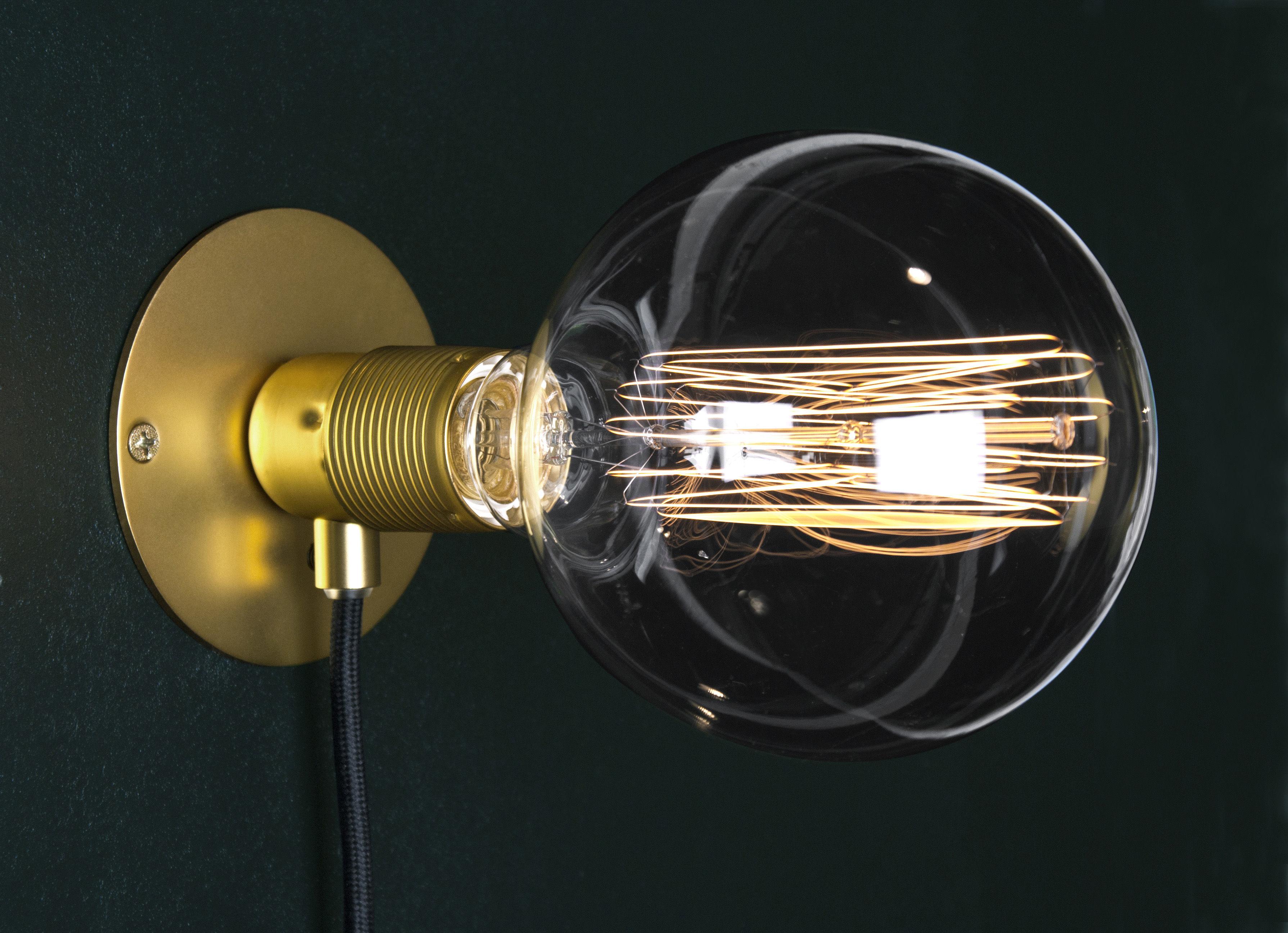Leuchten - Wandleuchten - Frama Kit Wandleuchte mit Stromkabel klein / Ø 12 cm - Frama  - Messing / Kabel schwarz - Metall