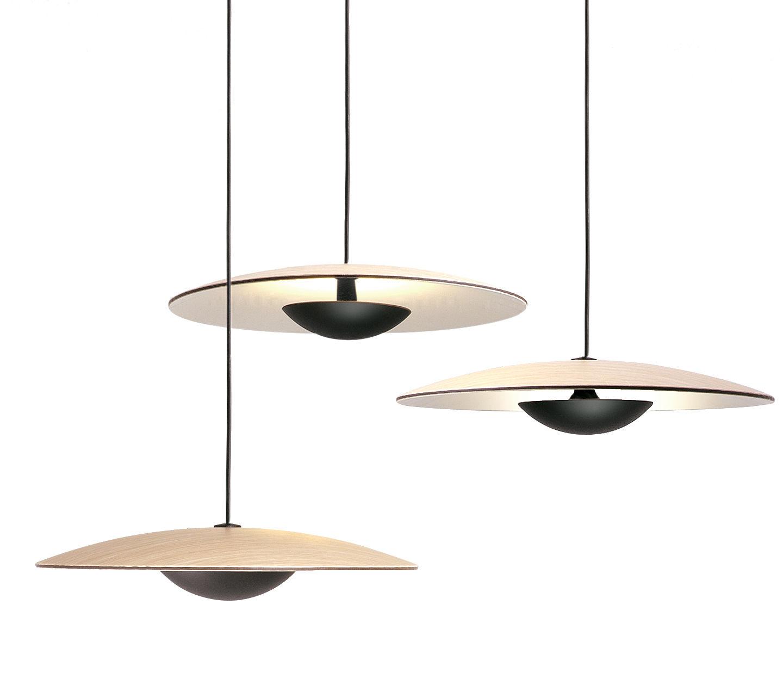Illuminazione - Lampadari - Sospensione Ginger Tripla / 3 paralumi - Legno & metallo - Marset - Rovere / Coppetta nera - Compensato di rovere, metallo laccato