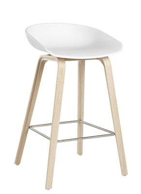 Mobilier - Tabourets de bar - Tabouret de bar About a stool AAS 32 / H 65 cm - Plastique & pieds bois - Hay - Blanc / Pieds bois naturel - Chêne naturel, Polypropylène