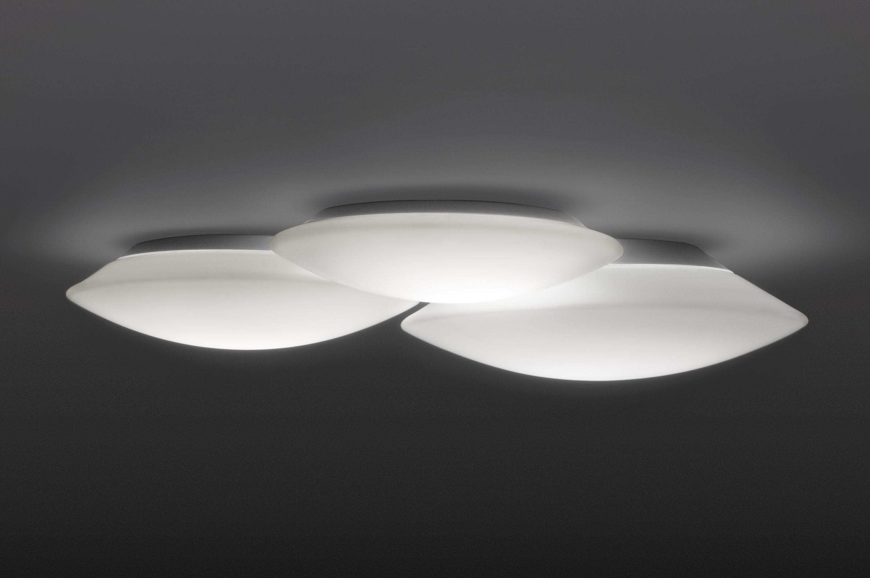 Luminaire - Plafonniers - Plafonnier Puck Triple / 56 x 49 cm - Vibia - Blanc - Verre soufflé