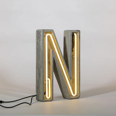 Lampe de table Néon Alphacrete / Lettre N - Intérieur / extérieur - Seletti blanc,gris en pierre