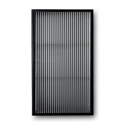 Arredamento - Raccoglitori - Portaoggetti da parete Haze - / L 35 x H 60 cm - Vetro scanalato di Ferm Living - Nero / Vetro scanalato - Metallo rivestito in resina epossidica, Vetro scanalato