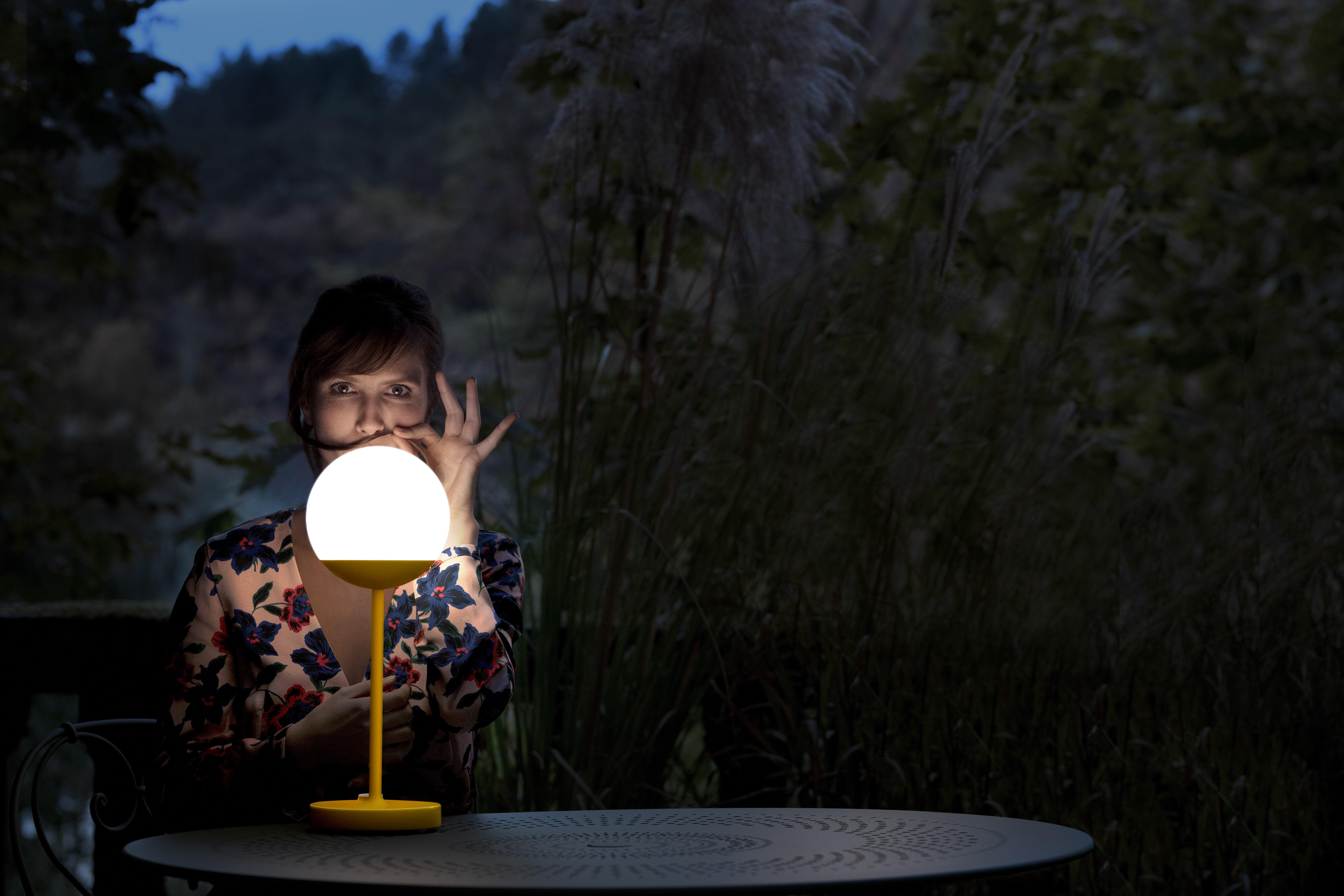 Lampe Ohne Kabel Mooon! LED Von Fermob - Violett